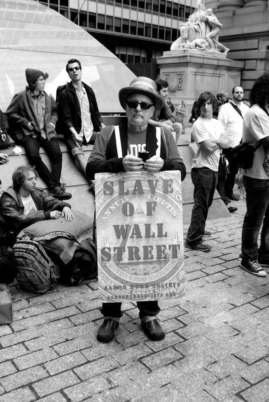 slave-wall-001